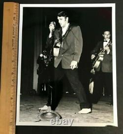 1956 RARE ORIGINAL 8X10 PHOTO #2 ELVIS PRESLEY ON STAGE WithBAND GREAT COND