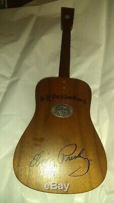 Case XX Elvis Presley 82046 1/2 pearl Knife Guitar Display # 058 RARE