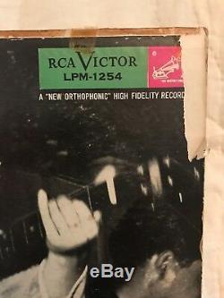 ELVIS PRESLEY1st ALBUMRARE ORIGINAL 1956 RCA MONO LP withPALE LETTERS & PD LABEL