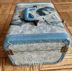 ELVIS PRESLEY Rare Blue1956 train case OVERNIGHT/MAKEUP CASE SUITCASE WithMIRROR