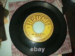 RARE ELVIS PRESLEY SUN 45 #209- BLUE MOON OF KENTUCKY ORIGINAL! With push marks