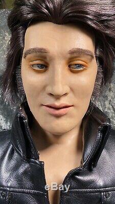 RARE Elvis Presley WowWee Animated Singing/Talking Bust Robot