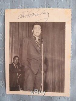 RARE SIGNED ORIGINAL WithCOA ELVIS PRESLEY CANDID 4 1/2 X 5 1/2 BLACK WHITE PHOTO