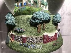 Rare Sculpted ELVIS PRESLEY Graceland Musical Snow Globe EPE Vintage 1997